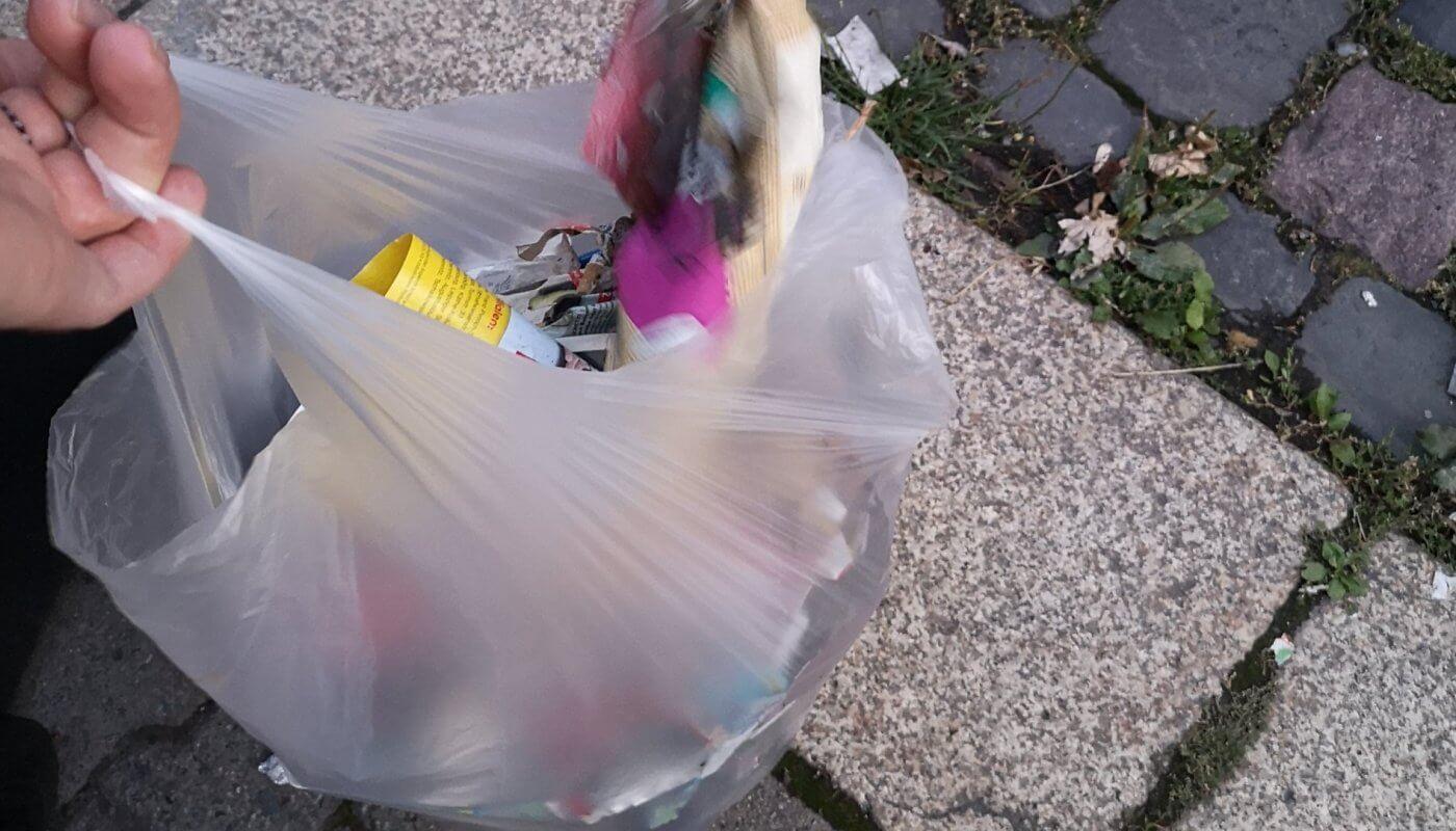 Voller Müllsack nach einer Stunde