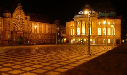 Theaterplatz Chemnitz bei Nacht