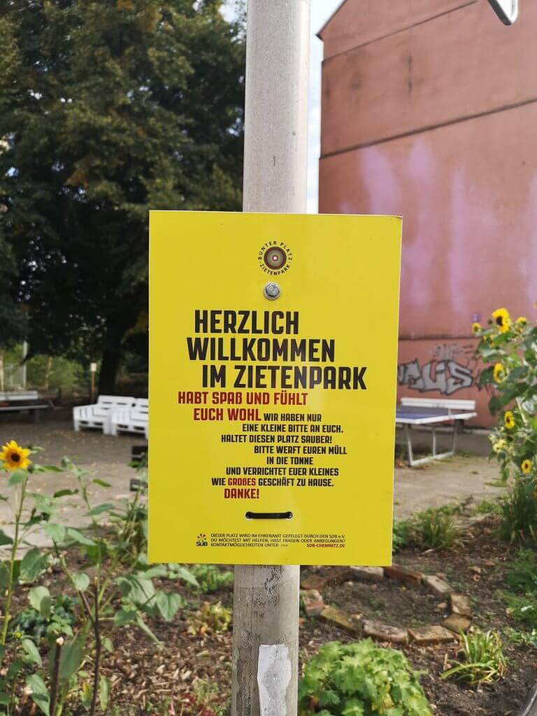 Hinweisschild im Zietenpark
